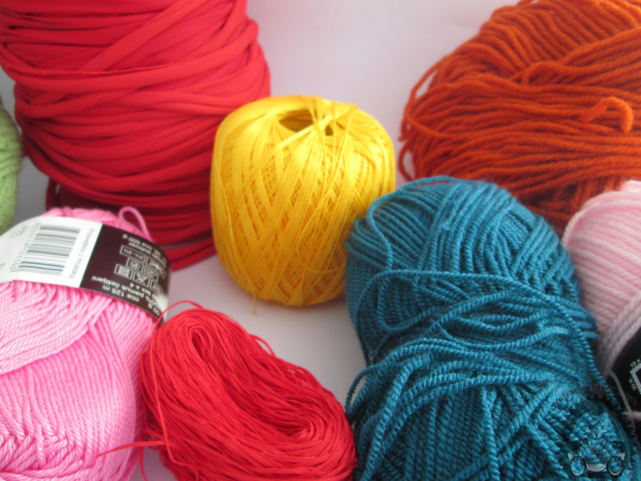 Yarn for knitting and crochet