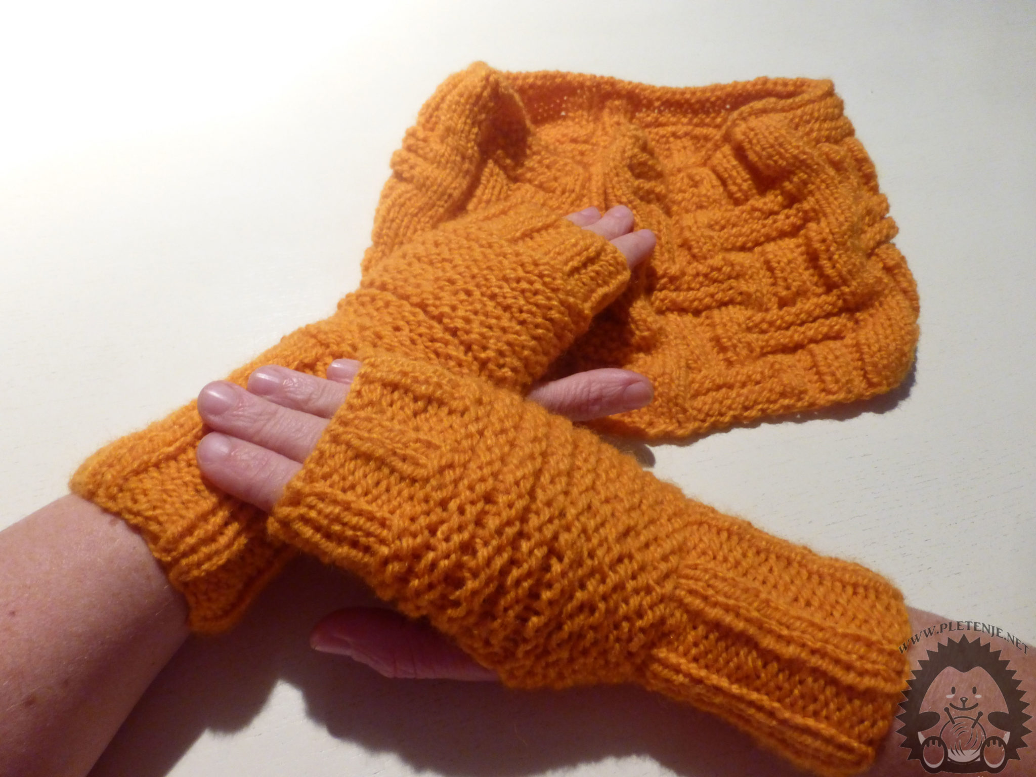 scarf and gloves - a cover