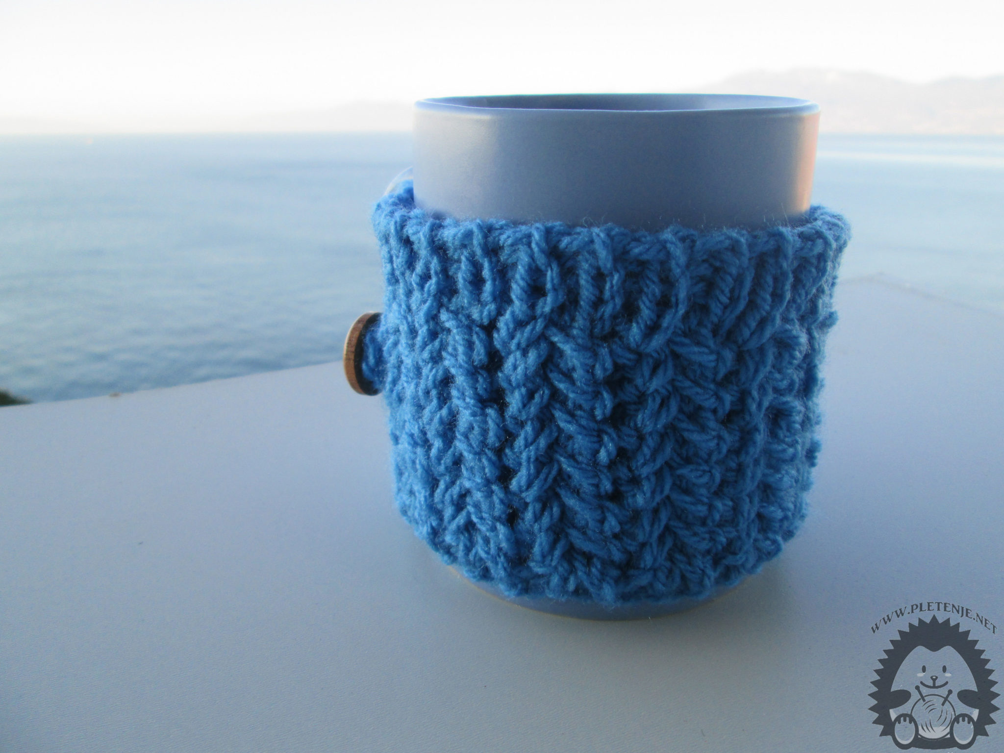 Knit cup heater title
